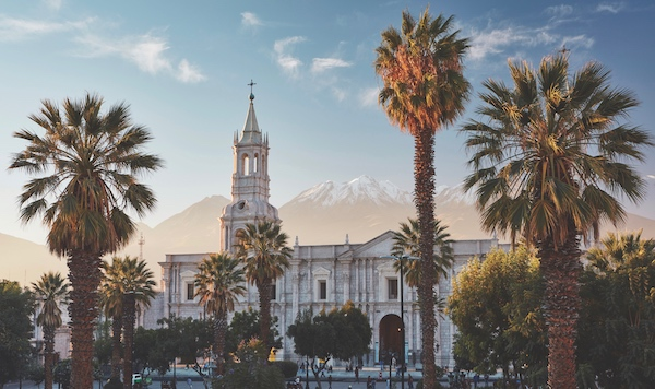 Main square of Arequipa and the Cathedral, Arequipa, Peru, Pie Experiences