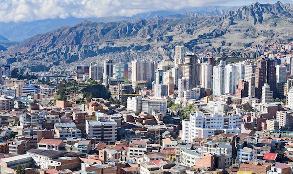 The center of La Paz in Bolivia, with Pie Experiences